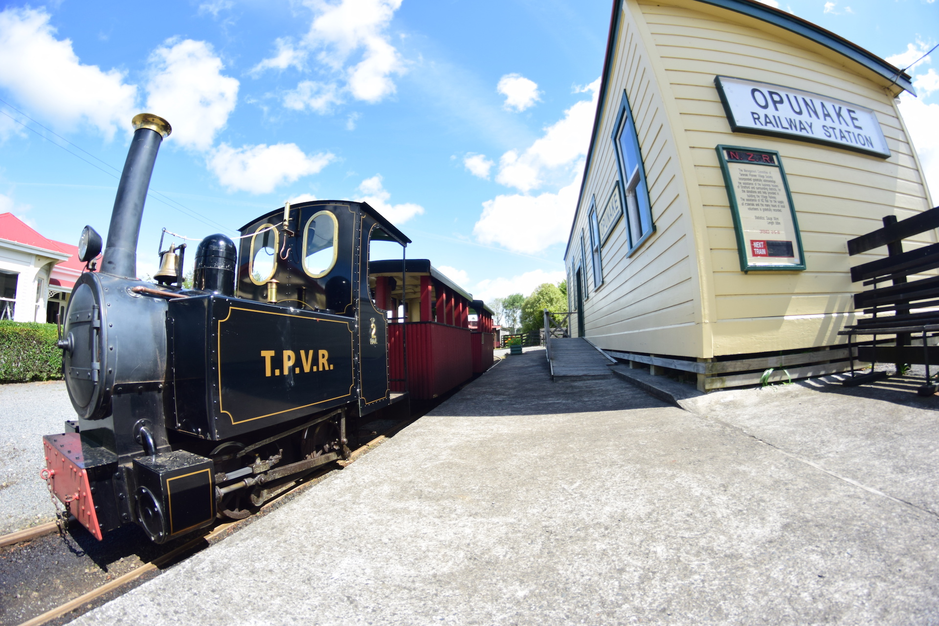 http://www.pioneervillage.co.nz/wp-content/uploads/2016/12/slider-train.jpg